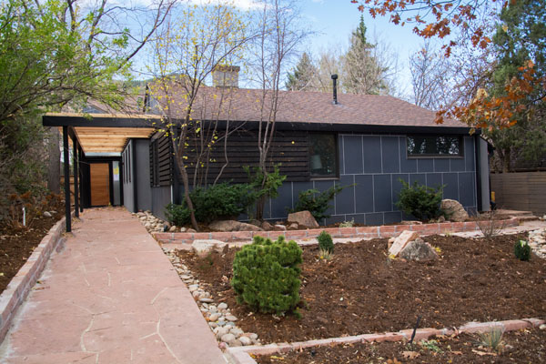 Boulder Chautauqua home with Hardie Reveal and Loewen windows